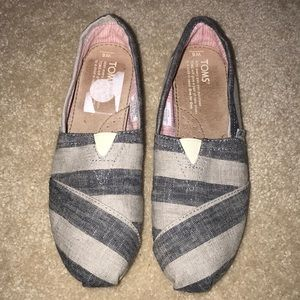Shoes - Tom Slip Ons